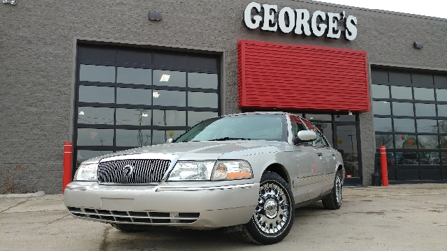 2004 MERCURY GRAND MARQUIS GS 4DR SEDAN silver birch metallic carfax 1 owner what a superb deal