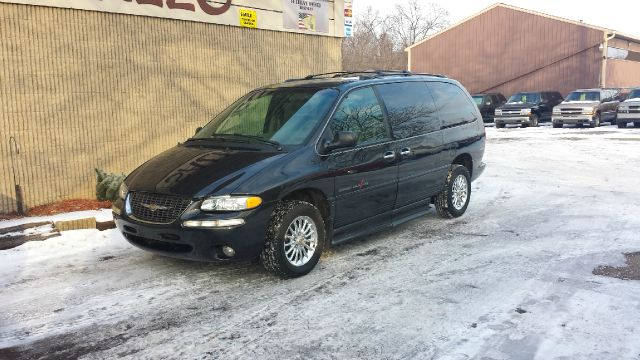 2000 Chrysler Town And Country Limited 4dr Passenger Van