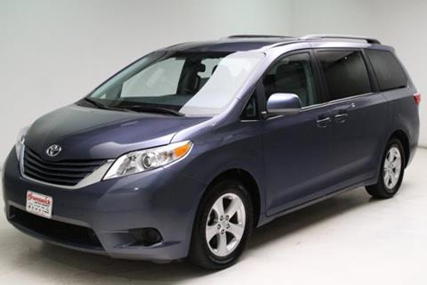 2017 Toyota Sienna for sale in Brunswick, OH