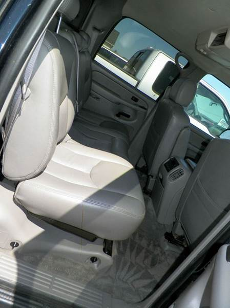 2006 Chevrolet Avalanche LS 1500 4dr Crew Cab 4WD SB - Imlay City MI