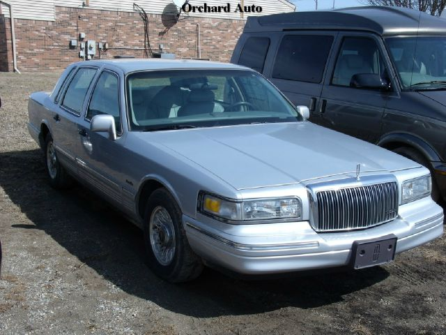 1997 Lincoln Town Car for sale in Lapeer MI