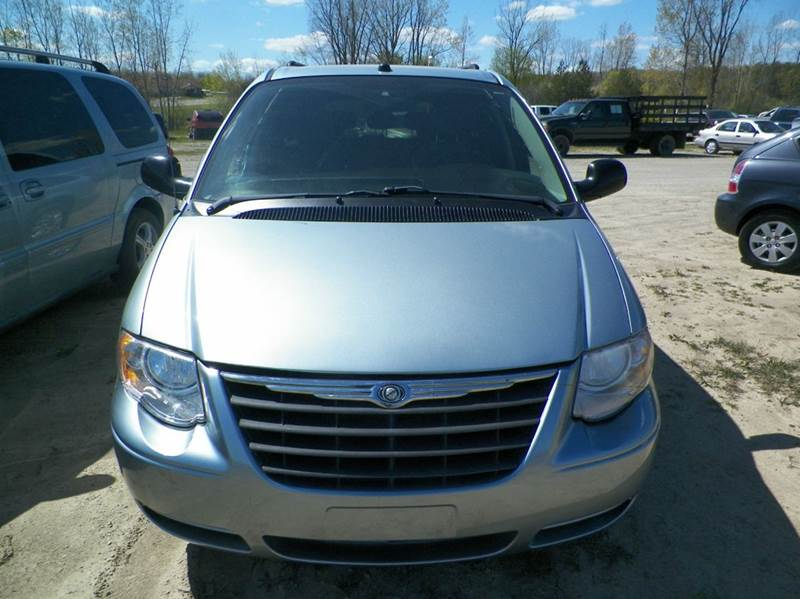 2005 Chrysler Town and Country LX 4dr Extended Mini-Van - Imlay City MI
