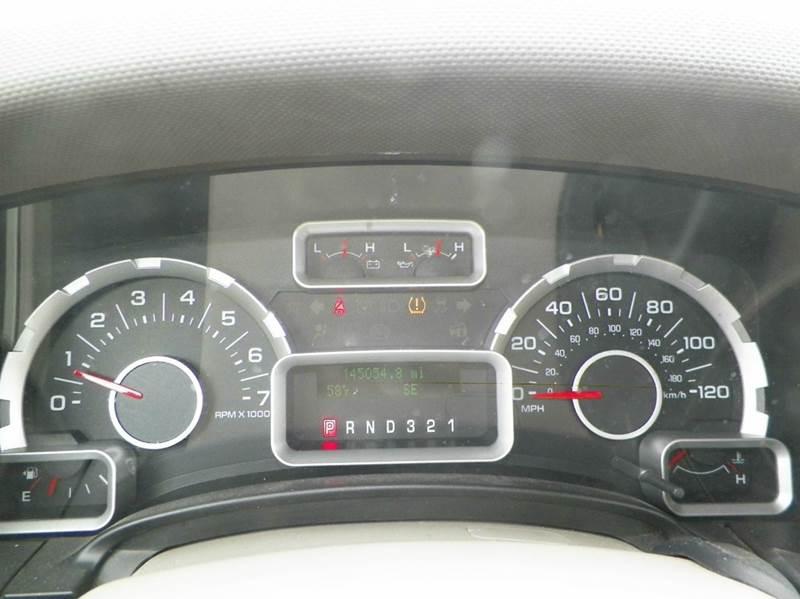 2010 Ford Expedition EL XLT 4x2 4dr SUV - Imlay City MI