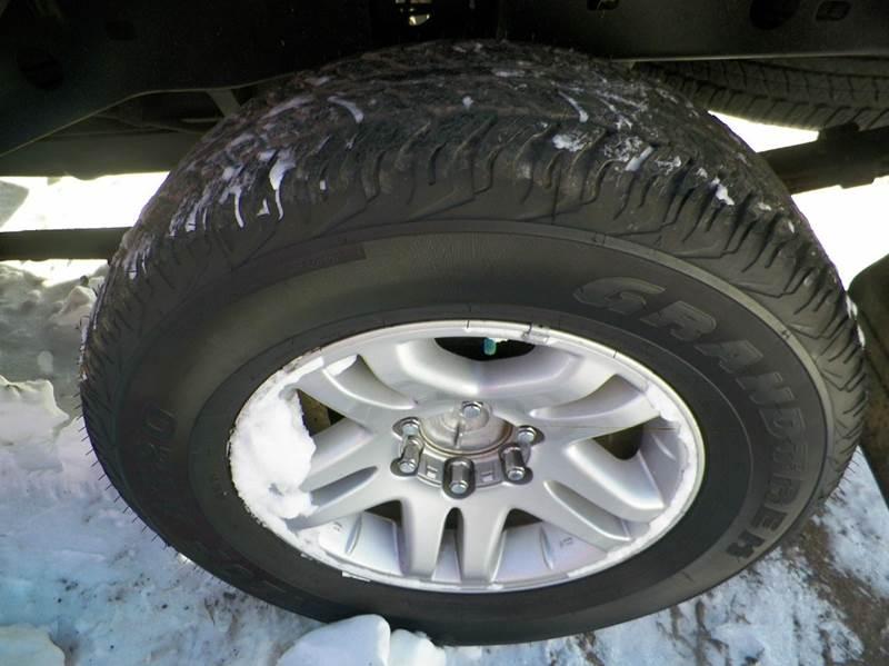 2004 Toyota Tundra Limited 4dr Double Cab 4WD SB V8 - Imlay City MI