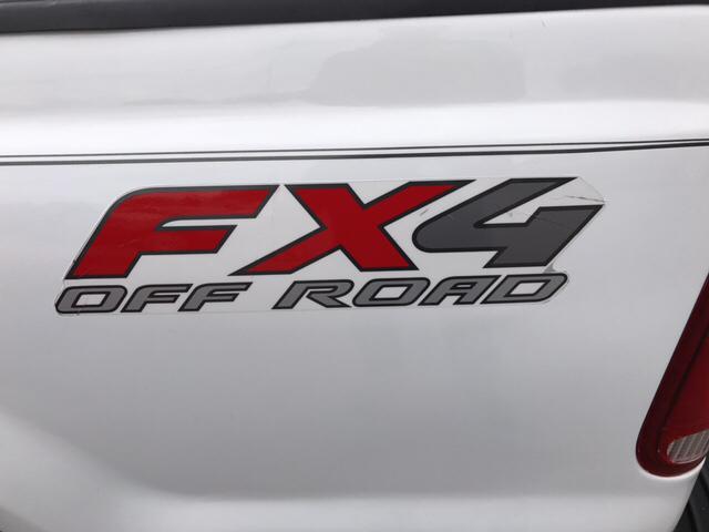 2006 Ford F-250 Super Duty XLT 4dr Crew Cab FX4 4WD LB XLT - Covina CA