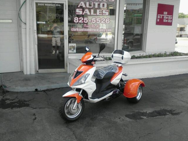 2012 Trike Scooter 49cc
