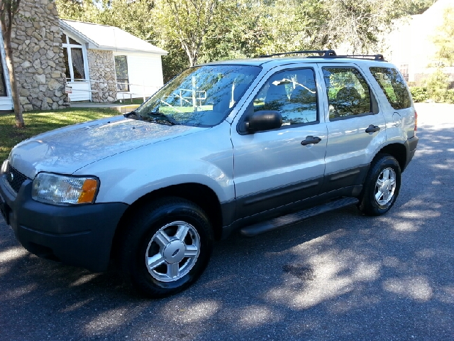 2004 FORD ESCAPE XLS 4WD 4DR SUV silver excellent car without the high cost to have transportatio