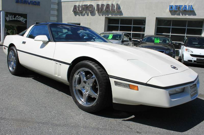 1988 CHEVROLET CORVETTE BASE 2DR HATCHBACK milky white clean carfax - no accidents  one previous