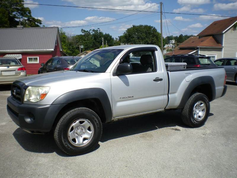 2005 Toyota Tacoma Base 2dr Standard Cab 4WD SB In Barnesville OH ...