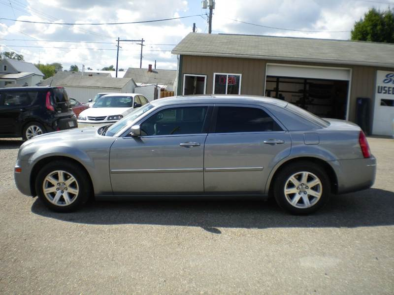 2006 chrysler 300 touring 4dr sedan in barnesville oh starrs used cars inc. Cars Review. Best American Auto & Cars Review