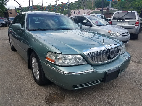 2006 Lincoln Town Car for sale in Pittsburgh, PA
