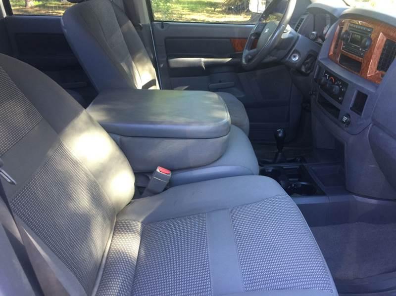 2006 Dodge Ram Pickup 2500 SLT 4dr Quad Cab 4WD LB - Dickinson TX