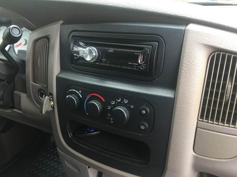 2004 Dodge Ram Pickup 2500 SLT 4dr Quad Cab 4WD LB - Dickinson TX