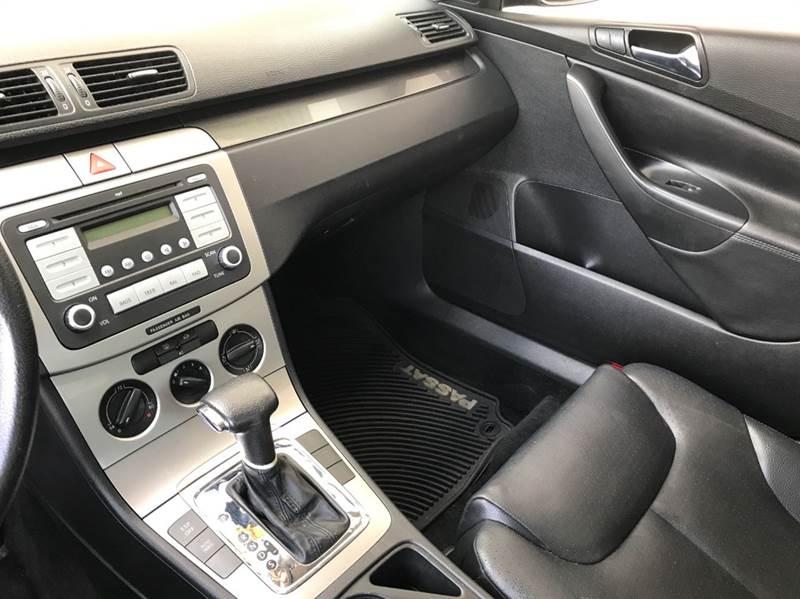 2007 Volkswagen Passat Base 4dr Sedan (2L I4 6A) - Garland TX