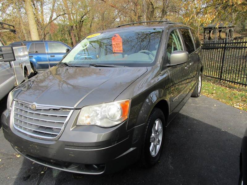 2010 CHRYSLER TOWN AND COUNTRY TOURING 4DR MINI VAN gray looking for a vehicle that will meet you