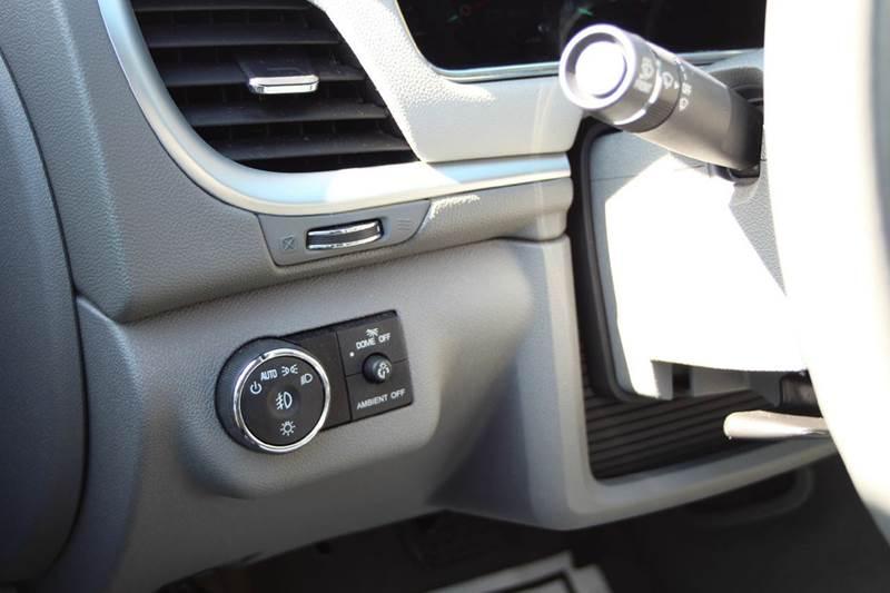 2017 Chevrolet Traverse LT AWD 4dr SUV w/2LT - Williamston MI
