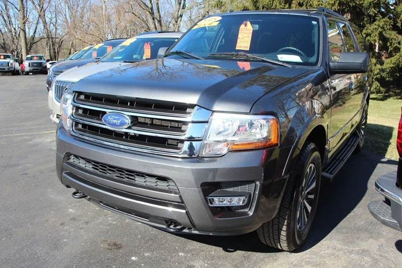 2015 FORD EXPEDITION XLT 4X4 4DR SUV charcoal if you are looking for a vehicle that is has rear c