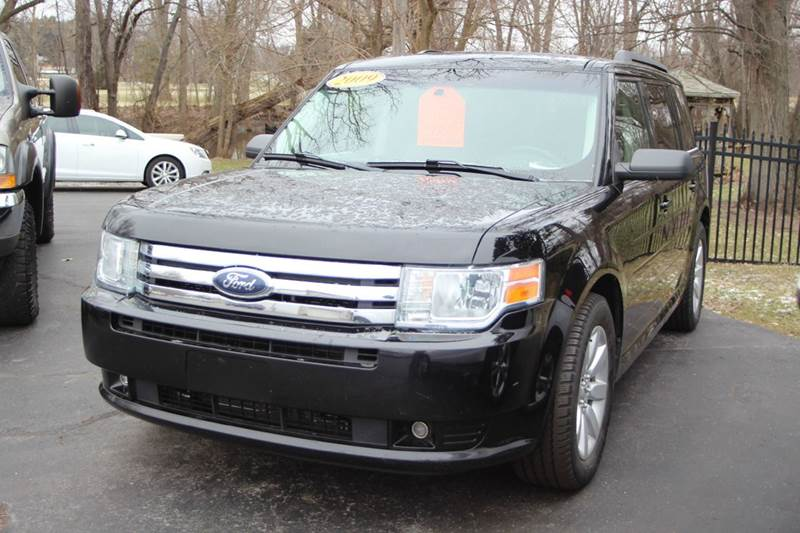 2009 FORD FLEX SE CROSSOVER 4DR blue if you are looking for flexibility between seating and stora
