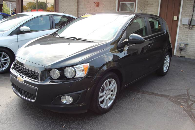 2013 CHEVROLET SONIC LT AUTO 4DR HATCHBACK black dont miss our 2013 chevrolet sonic if you at lo