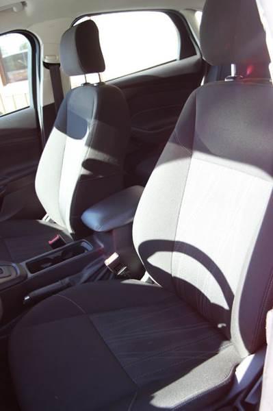 2015 Ford Focus SE 4dr Sedan - Williamston MI