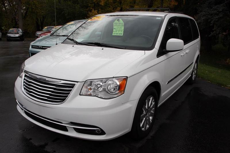 2016 CHRYSLER TOWN AND COUNTRY TOURING 4DR MINI VAN white road trip ready this 2016 chrysler t