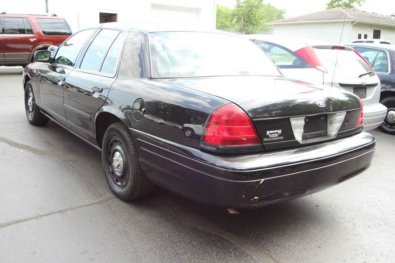 2005 Ford Crown Victoria Police Interceptor (3.27 Axle) 4dr Sedan w/ Side air bags - Williamston MI