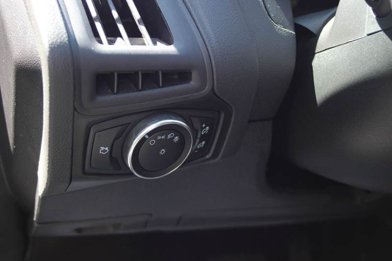 2015 Ford Focus SE 4dr Hatchback - Williamston MI