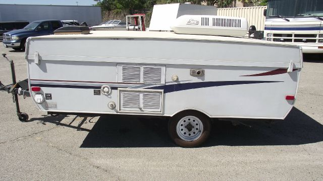 2002 AERO VOYAGER COACH POP UP white 2002 aero voyager coach pop up tent trailer   gvwr - 2090 lb