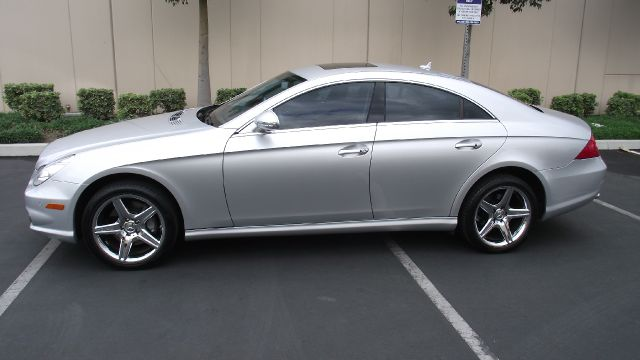2008 MERCEDES-BENZ CLS-CLASS CLS550 4-DOOR COUPE silver 2008 mercedes-benz cls-class cls550 coupe