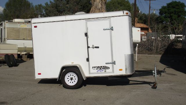 2007 CARSON TRAILER HIWAY CARGO white gvwr - 2990 lbs   11 x 5  2 inch ball   tires are great