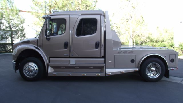2007 FREIGHTLINER BUSINESS CLASS M2 SPORT CHASSIS tan 37019 miles VIN 1FVAFCDK57HY34359