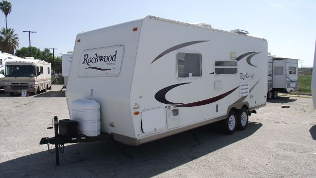 2006 FOREST RIVER ROCKWOOD 2304  ULTRA LIGHT white 2006 forest river rockwood 2304 ultra lightweig