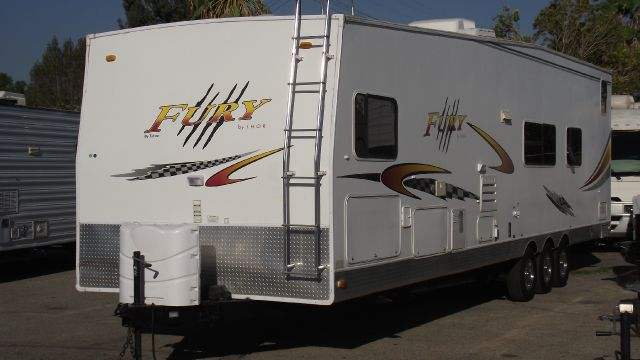2005 THOR FURY TOY HAULER white 2005 thor fury this trailer is loaded and ready for this season  s
