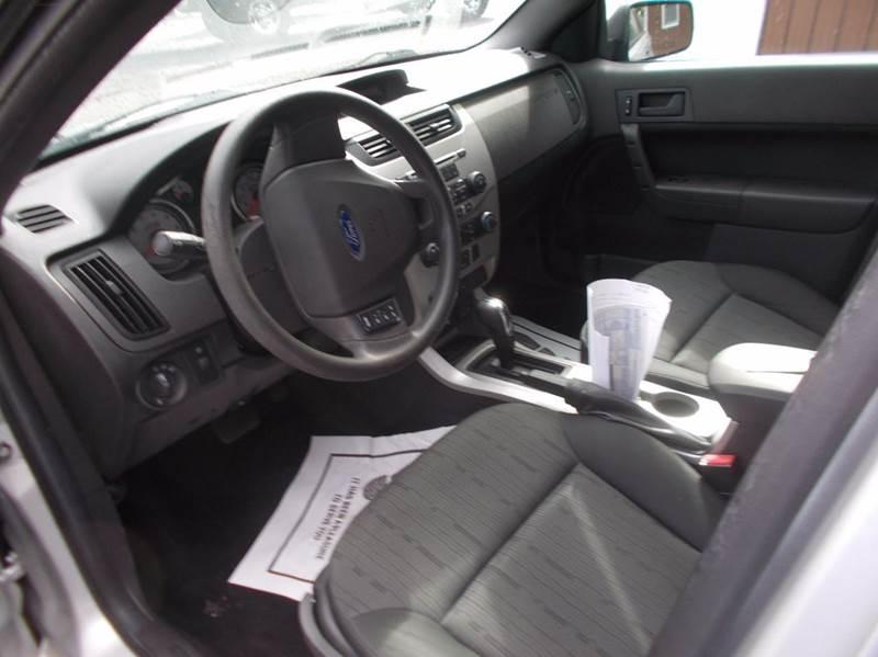 2010 Ford Focus SE 4dr Sedan - Roaring Spring PA