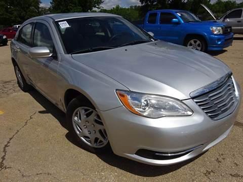 2011 Chrysler 200 for sale in Topeka, KS