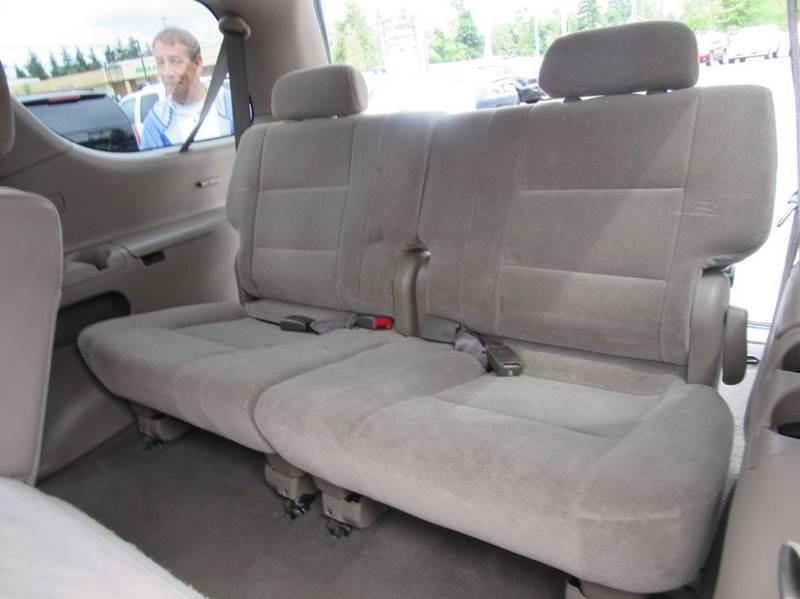 2002 Toyota Sequoia SR5 4WD 4dr SUV - Lynnwood WA