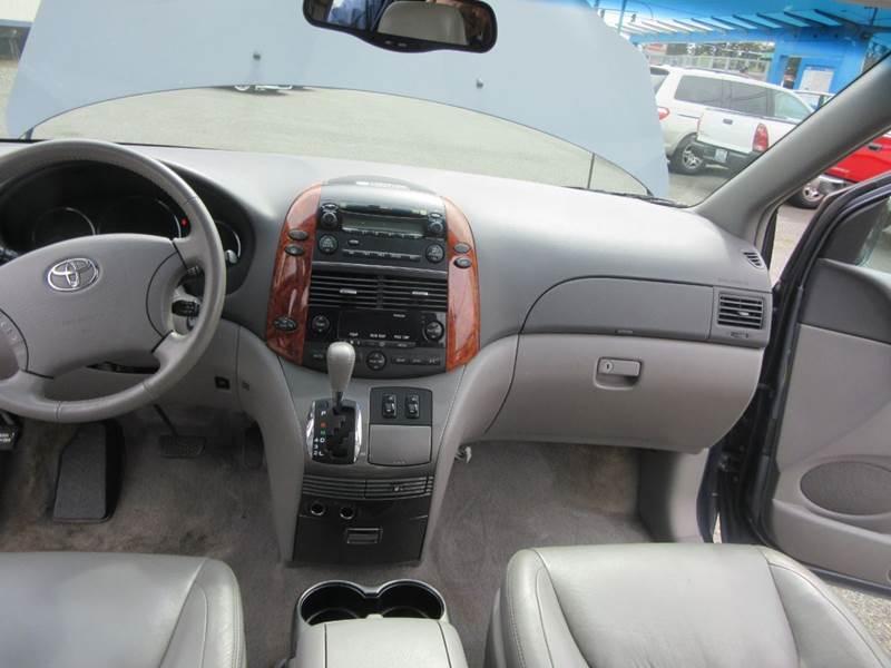 2006 Toyota Sienna XLE 7-Passenger 4dr Mini-Van - Lynnwood WA
