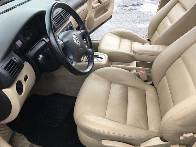 2000 Volkswagen Passat GLS V6 4dr Sedan - Lynnwood WA