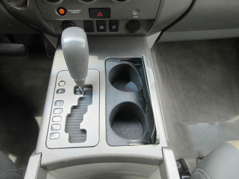 2004 Nissan Titan 4dr Crew Cab SE 4WD SB - Lynnwood WA