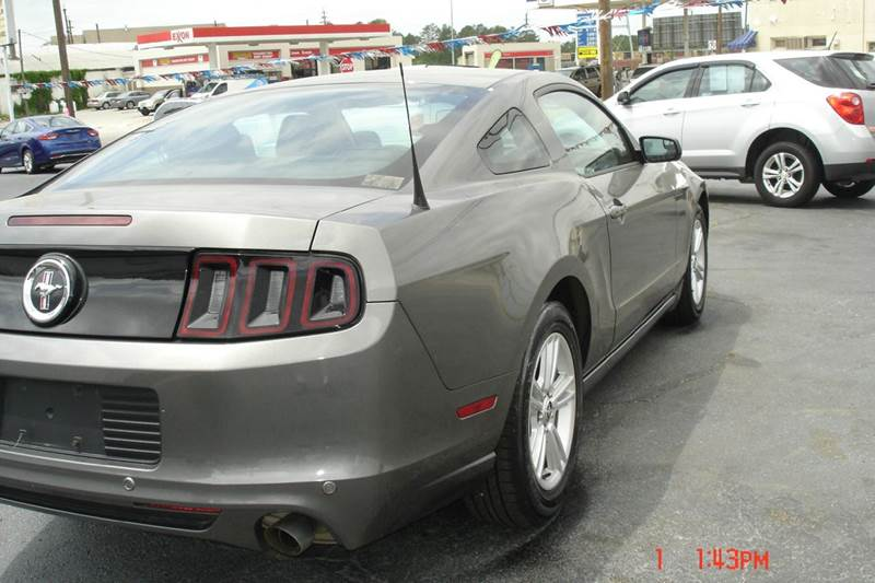 2014 Ford Mustang V6 2dr Coupe - Crewe VA