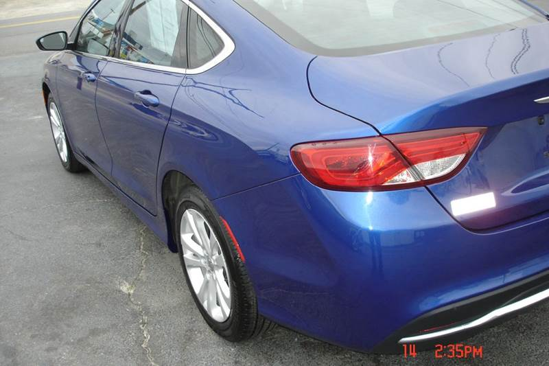 2015 Chrysler 200 Limited 4dr Sedan - Crewe VA