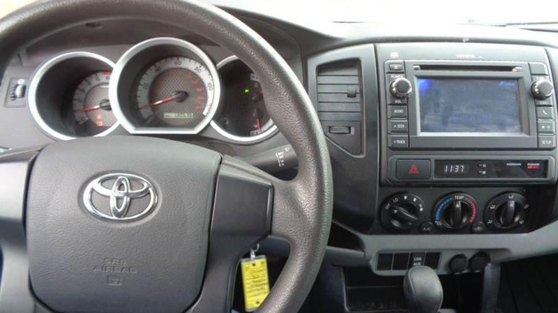 2013 Toyota Tacoma 4x2 2dr Regular Cab 6.1 ft SB 4A - Loves Park IL