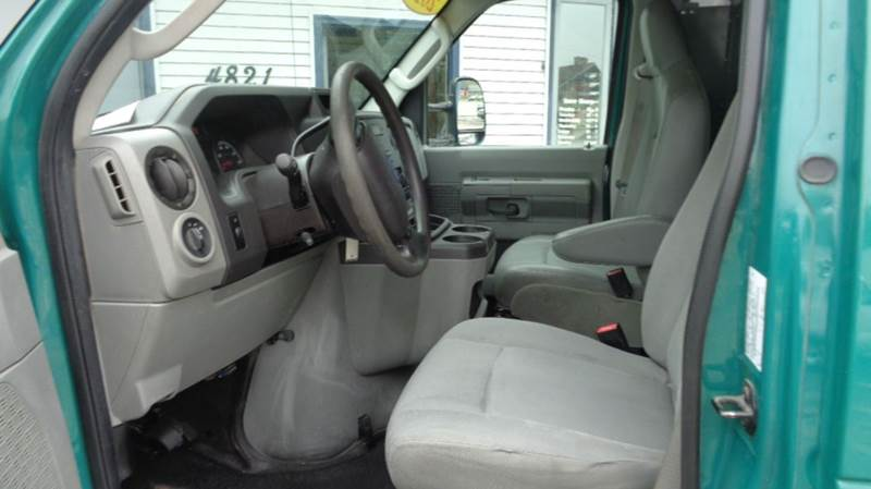 2011 Ford E-Series Cargo E-250 3dr Cargo Van - Loves Park IL
