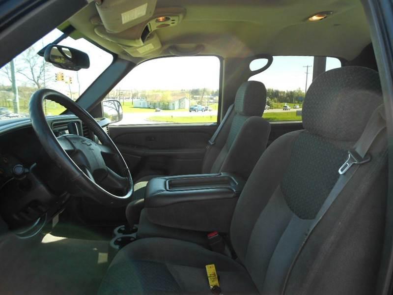 2004 Chevrolet Avalanche 4dr 1500 4WD Crew Cab SB - Greenville MI
