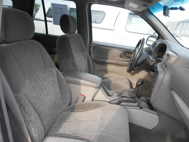2002 Chevrolet TrailBlazer LS 4WD 4dr SUV - Greenville MI
