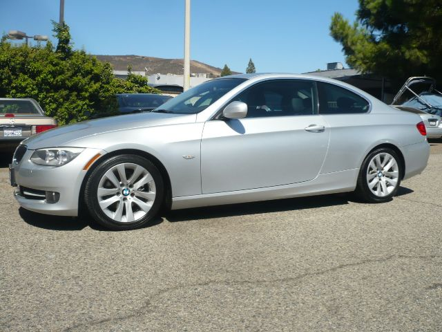 2011 BMW 3 SERIES 328I 2DR COUPE SULEV silver like new two owner bmw 328i two door coupe this v