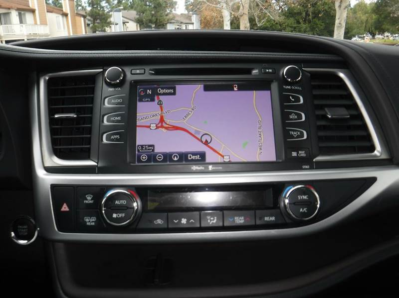2015 Toyota Highlander XLE 4dr SUV - Thousand Oaks CA