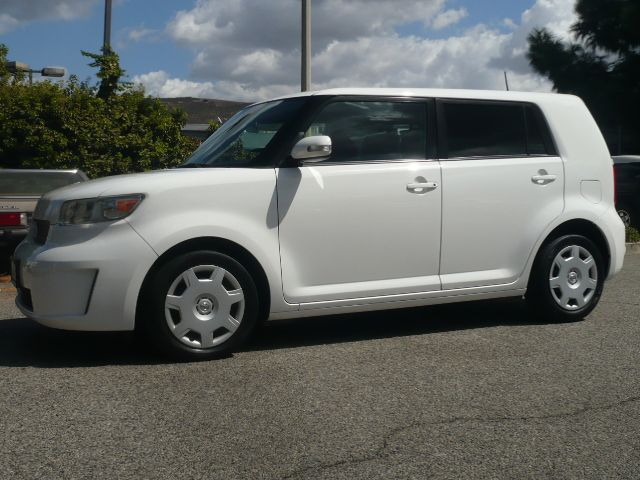2008 SCION XB BASE 4DR WAGON 4A white local one owner 2008 scion xb 4-door sport wagon this veh