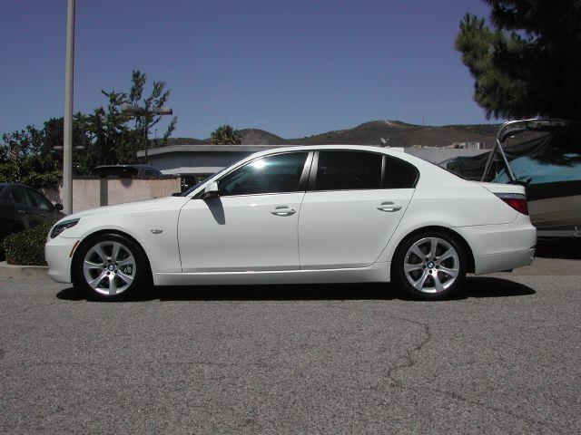 2010 BMW 5 SERIES 535I 4DR SEDAN white two owner very clean low mileage 2010 bmw 535i with 30l
