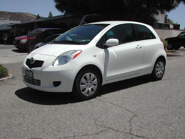 2008 TOYOTA YARIS BASE 2DR HATCHBACK 4A polar white low mileage economic extra clean 2008 toyot